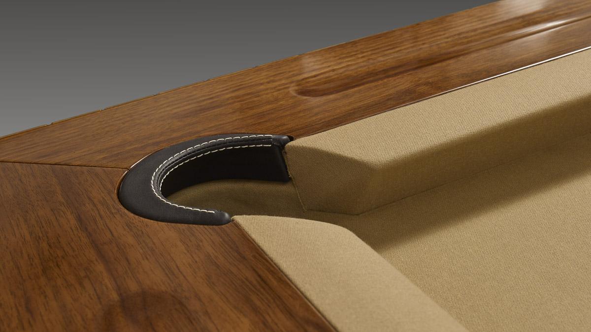 Tavolo biliardo classico Master dalle forme eleganti e sofisticate