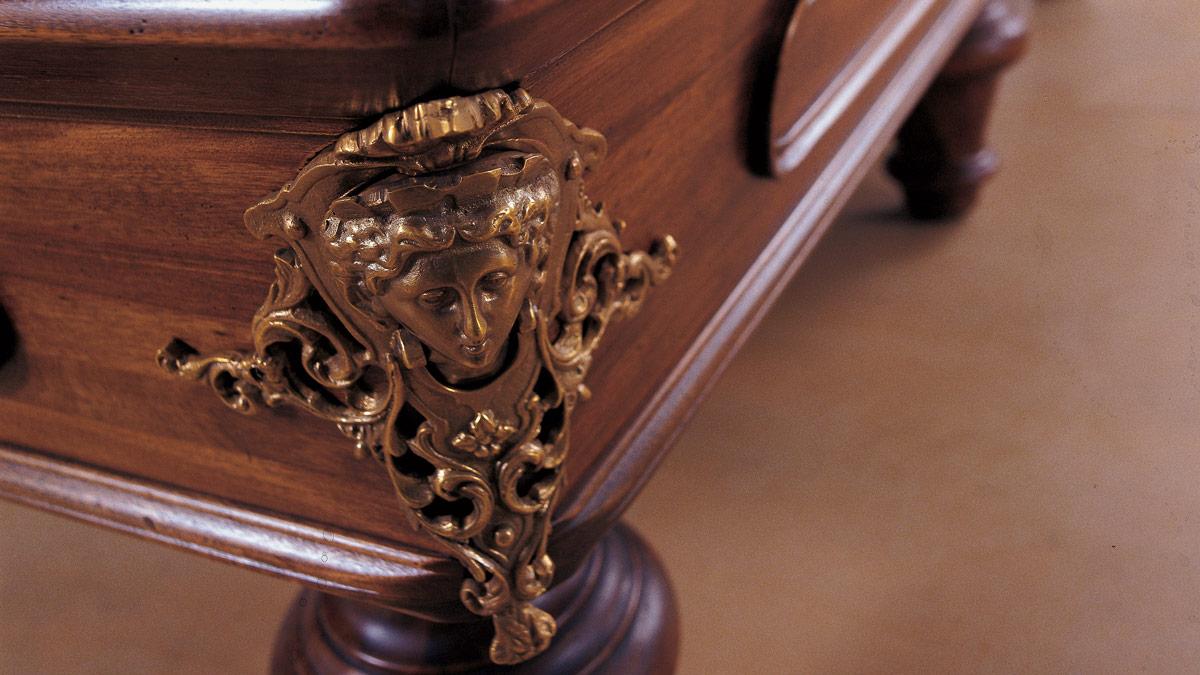 Biliardo con buche Michelangelo decorato con cornici in legno